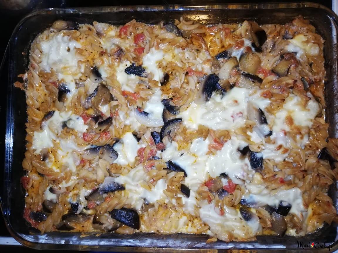 Βίδες Φούρνου Με Σάλτσα Ντομάτας, Μελιτζάνα, Μανιτάρια Και Τυρί
